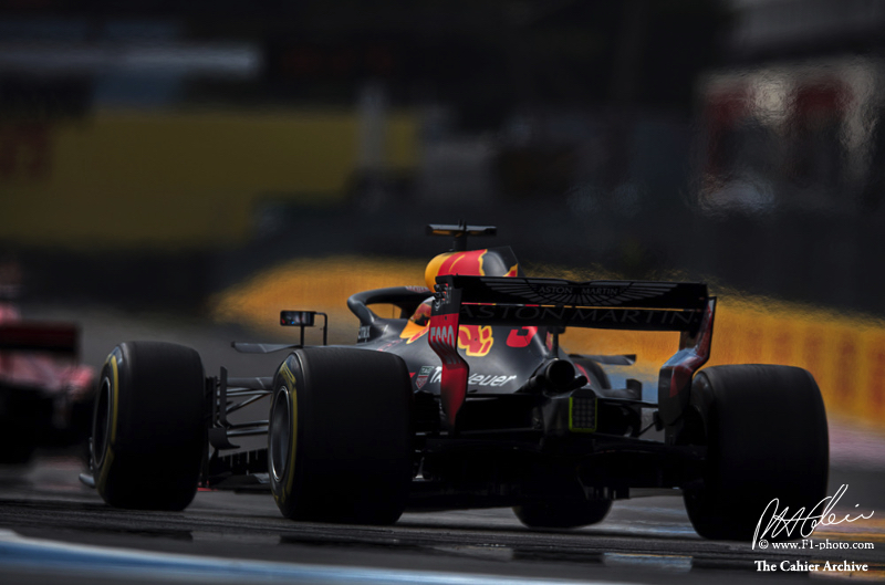 Max Verstappen wins in Austria as Brendon Hartley suffers mechanical failure