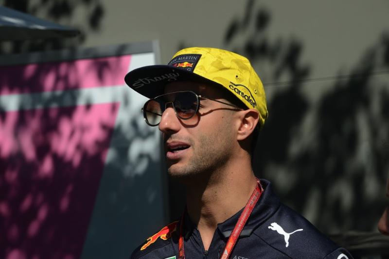 Daniel Ricciardo responds to reports he's agreed pre-contract with Ferrari
