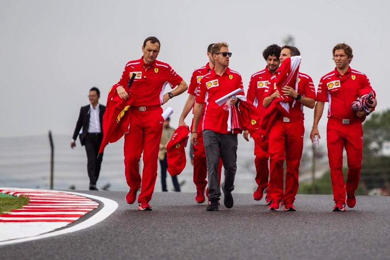 Vettel gets grid drop for red-flag speeding